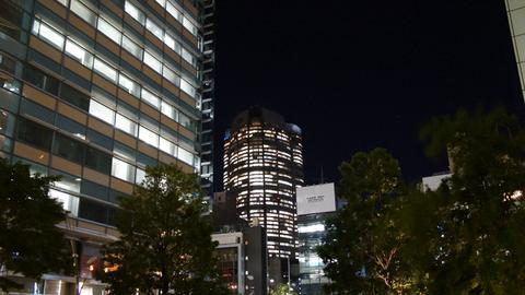 東京ミッドタウンから望む六本木ヒルズ
