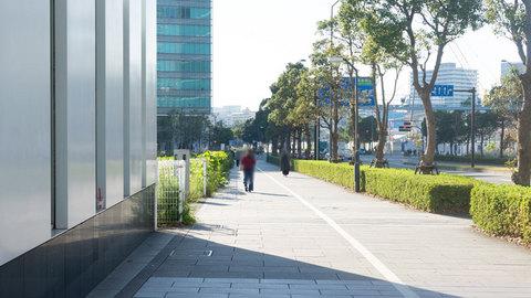 新高島駅出口付近