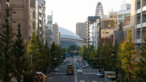 陸橋の上から見た東京ドーム