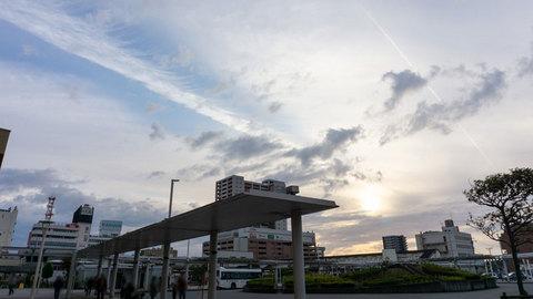 沼津駅前の夕陽