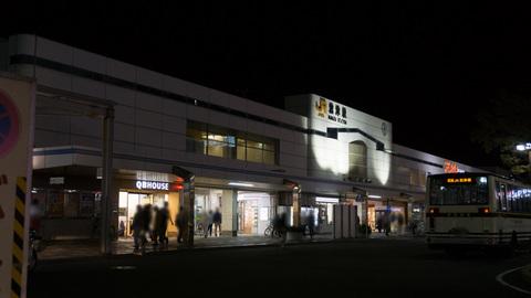 夜の沼津駅