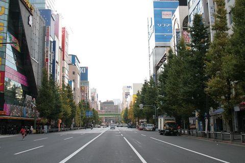朝の中央通り